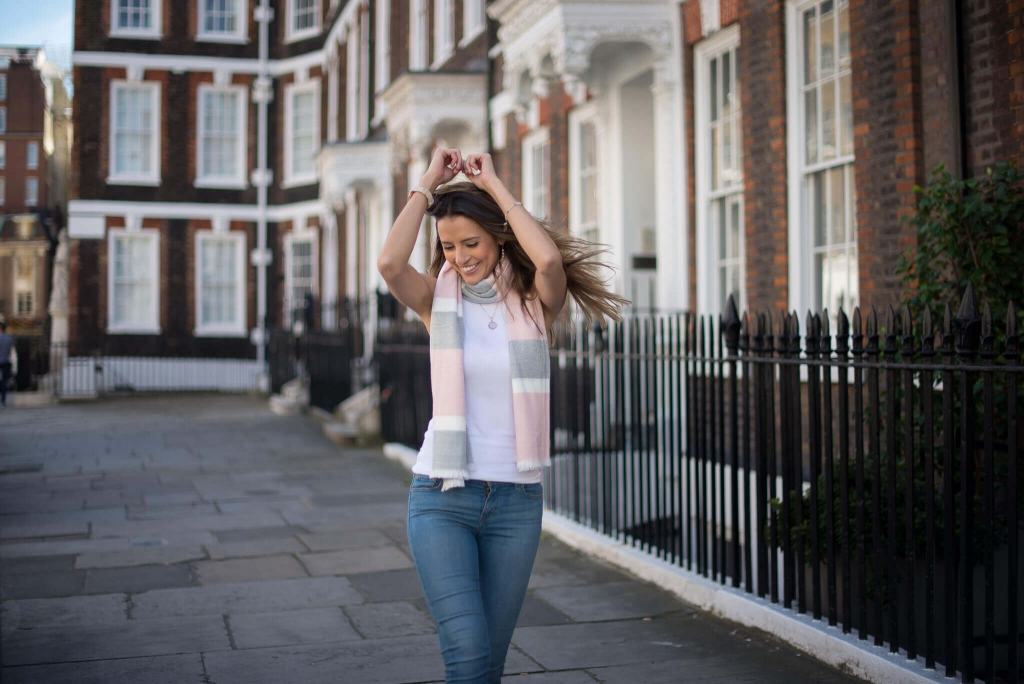 Relaxed summer photoshoot in London